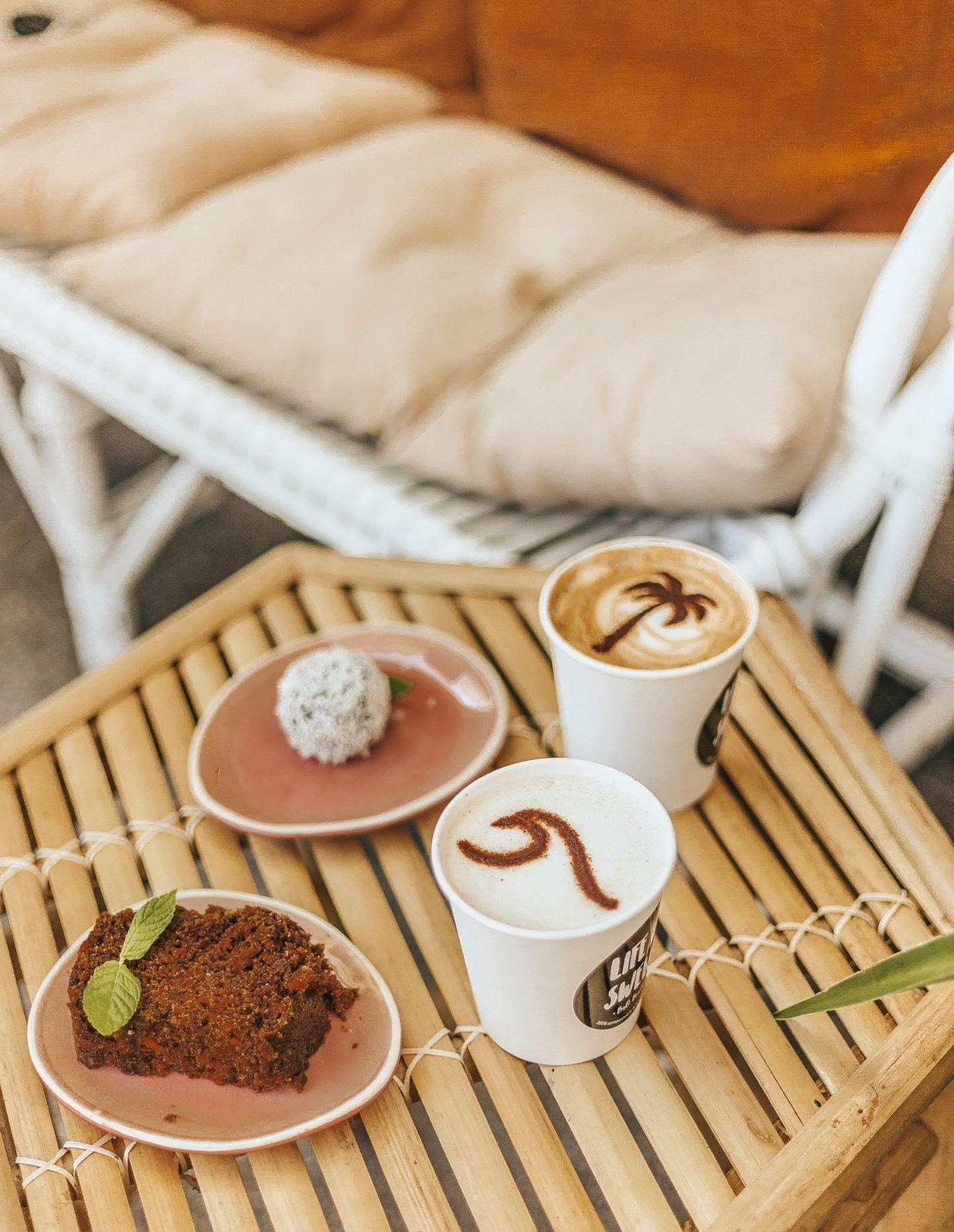 CAFÉ PIHA, CHAÏ LATTE, Bali Bowls.