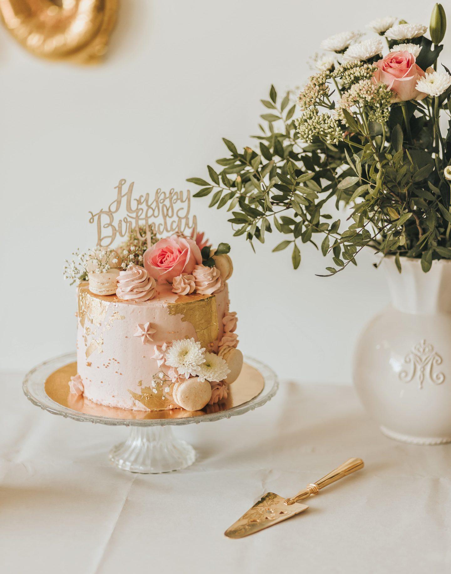 gâteau rose, fleurs, pastel, création, anniversaire, événement.