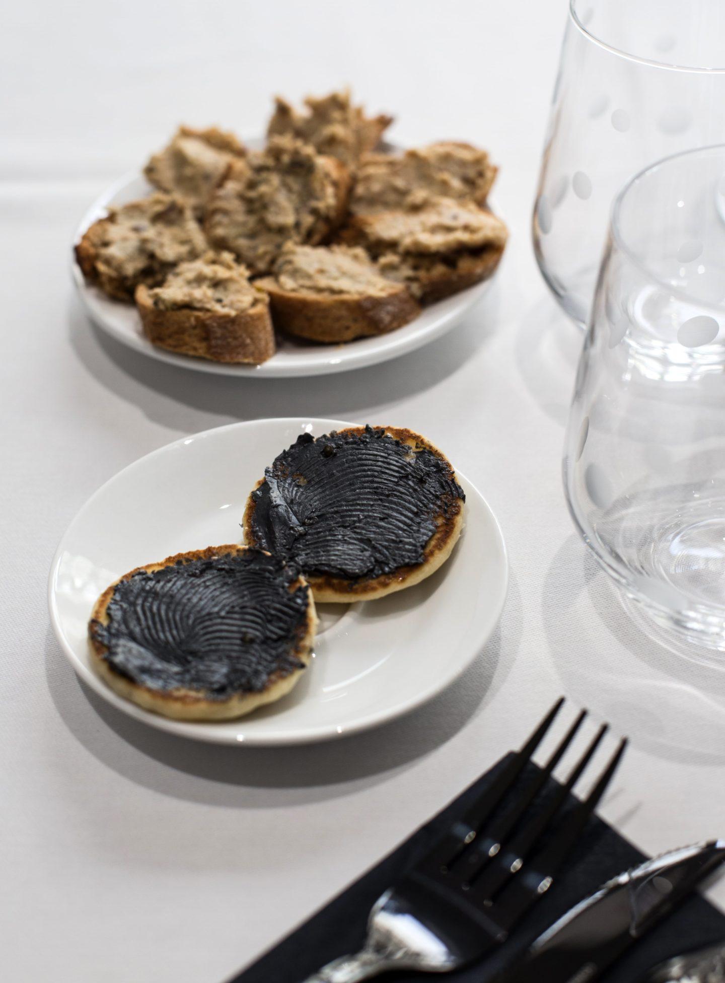 apéritif, beurre de caviar, esturgeon, caviar de neuvic, restaurant
