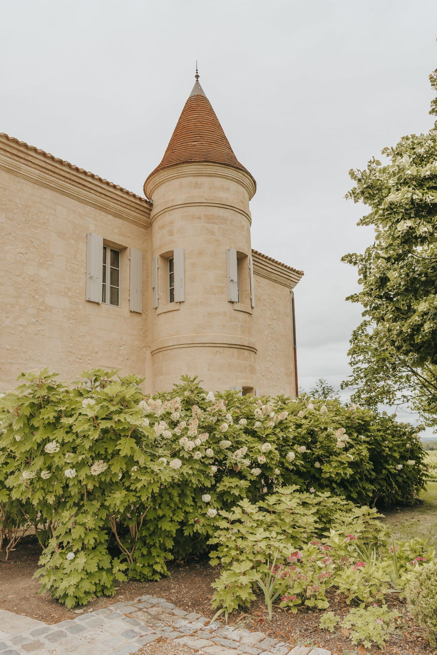 Tour, château troplong mondot, extérieur